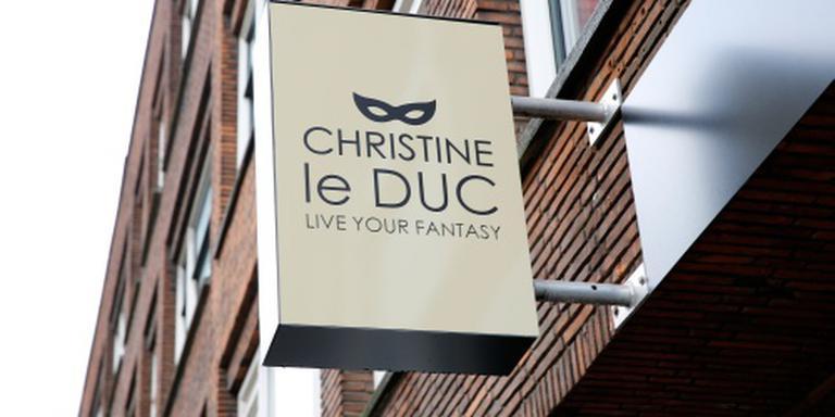 'Christine le Duc kleedt eigen personeel uit'