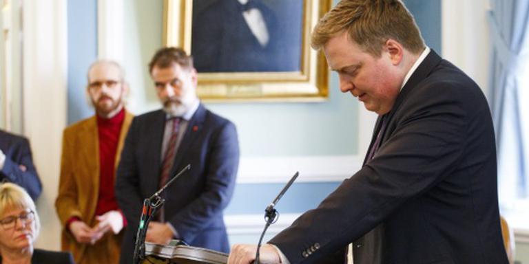 Duizenden IJslanders eisen vertrek premier