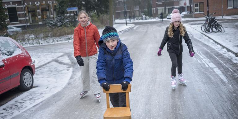 Genieten van een nieuwe vorm van ijspret: straatsen