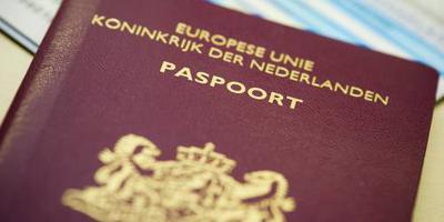D66: gun Nederlander in VK dubbel paspoort