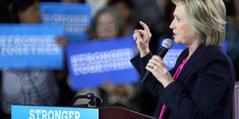 Clinton bezweert zorgen om gezondheid