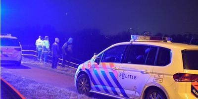 Hulpverleners ter plaatse bij het ongeluk in Zuidhorn. Foto: Rick ten Cate/Pronews