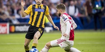 Ajax werkt met vraagtekens naar PSV toe