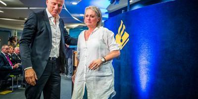 Berthie Verstappen tegen B.: Kijk me aan!