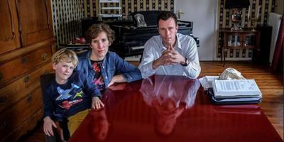 Pieter Bouwman en Kirsten de Jong met hun jongste zoon Meindert. Foto Jan Zeeman