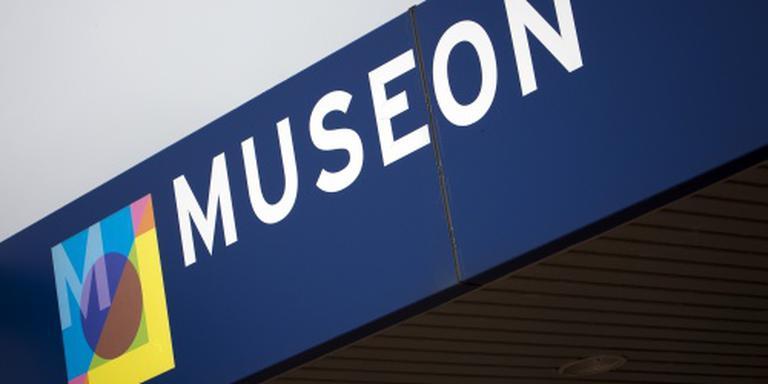 Museon bekijkt voorwerpen uit oorlog
