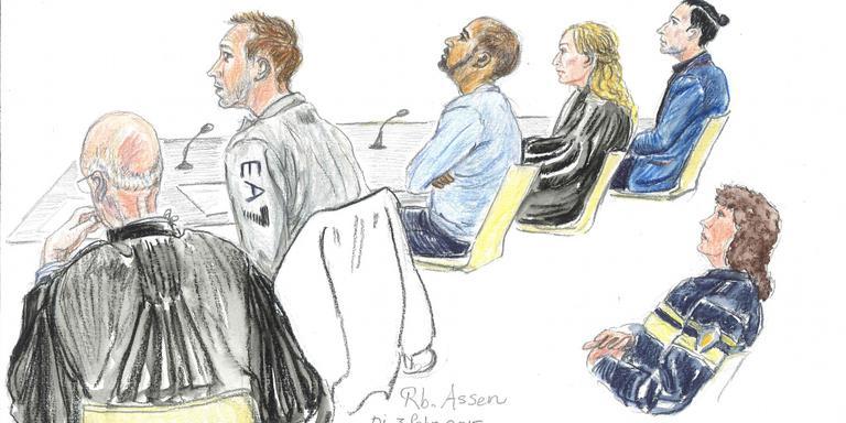 Vijf jaar voor poging doodslag op agenten. Tekening: Annet Zuurveen / Archief DvhN