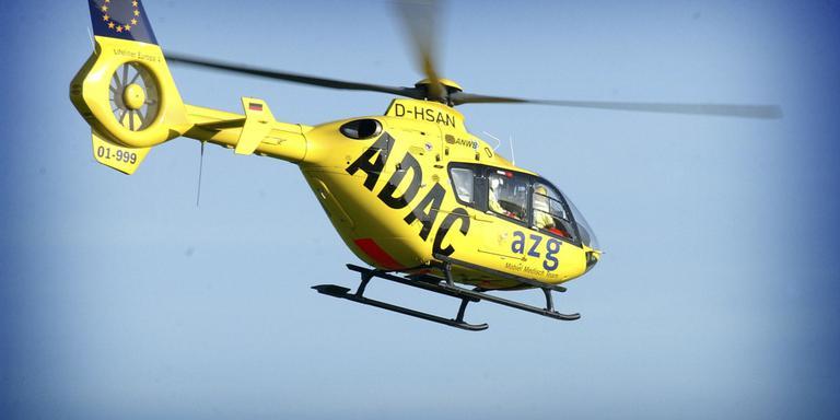Twee autoracers gewond bij botsing op raceterrein.