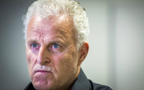 Verspreiden beelden zwaargewonde Peter R. de Vries is mogelijk strafbaar. 'Pure vorm van sensatiezucht', zegt deze privacydeskundige van de Rijksuniversiteit Groningen