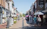 In de winkelstraat in Coevorden zal tijdens Reuring in de Veste! een kerstbraderie zijn
