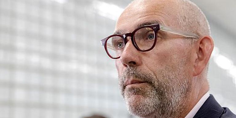 Lagendijk gaat bij ambassade visum aanvragen