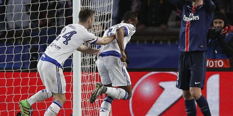 PSG bezorgt Hiddink eerste nederlaag