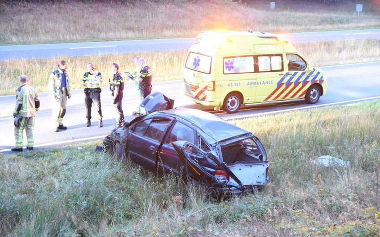 Automobilist naar ziekenhuis na ongeluk op Rondweg Emmen.