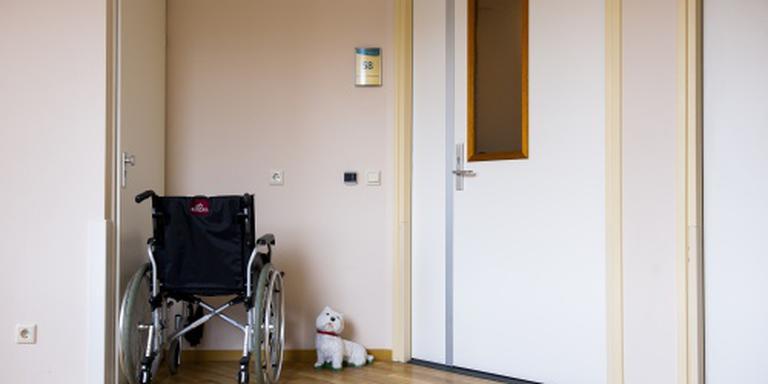 Van Rijn grijpt in bij verpleeghuizen