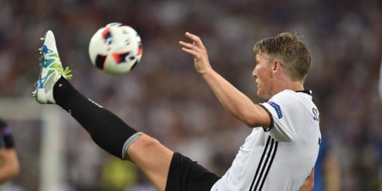 Schweinsteiger blijft bij Manchester United