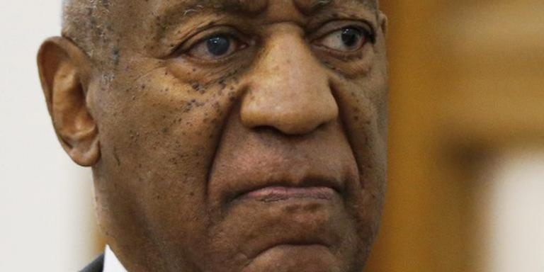 Vrouw trekt aanklacht tegen Cosby in