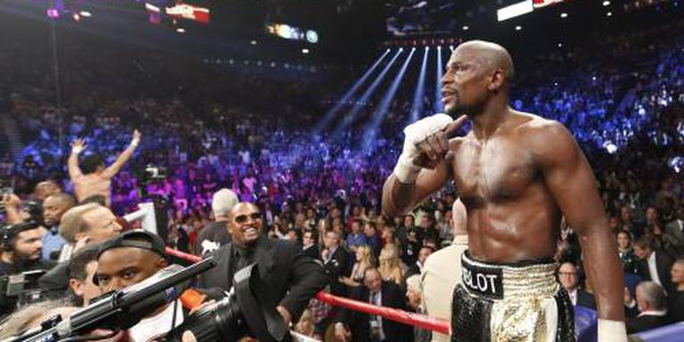 Vechter McGregor daagt bokser Mayweather uit