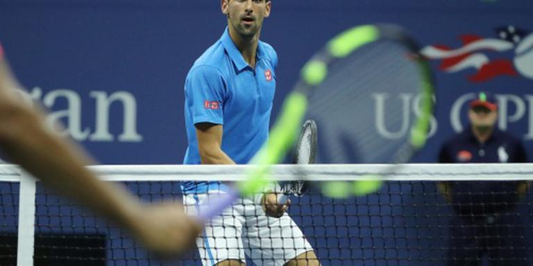 Djokovic mept zich een weg naar halve finale