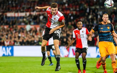 Feyenoord wint van Heerenveen en blijft in spoor koploper Ajax