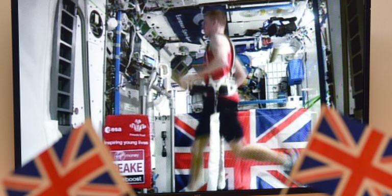 Peake loopt ruimtemarathon in 3.35
