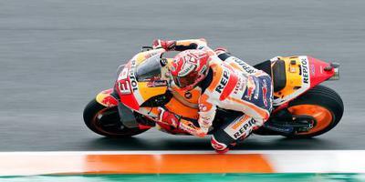 Márquez crasht in regenrace Valencia