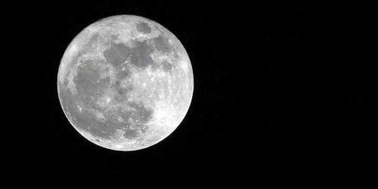 Inslagen ploegen de maan om