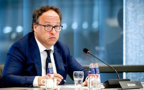Minister Wouter Koolmees presenteert nieuw pakket voor noodlijdende ondernemers: 13 miljard euro erbij