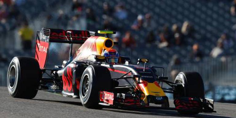 Hamilton pakt pole in VS, Verstappen vierde