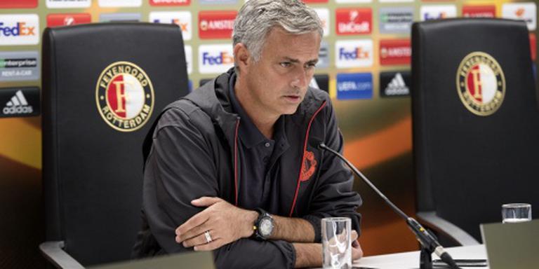 Mourinho baalt van lege Kuip en schema ManUtd