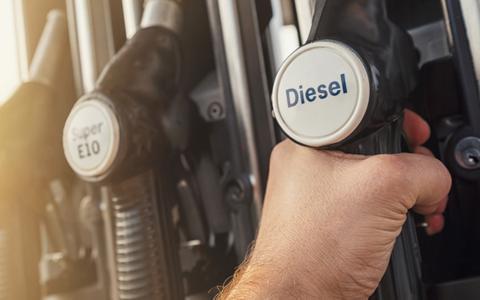Nu een auto kopen die op diesel loopt: dom of juist heel slim?