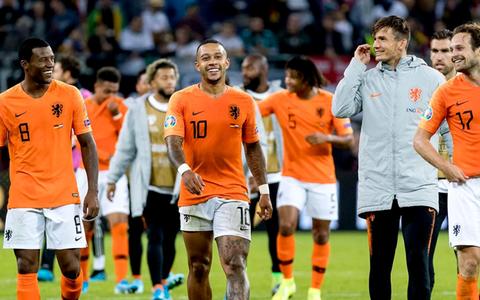 FC Barcelona gaat voor Oranje-duo Depay en Wijnaldum