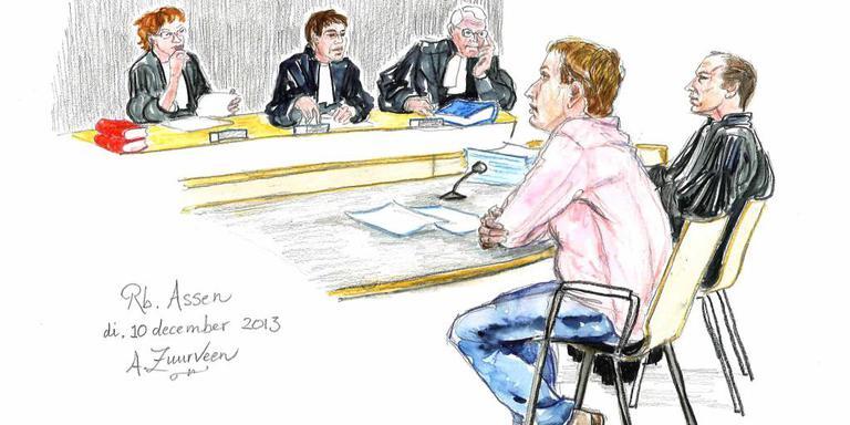 GHB-koning uit Roden veroordeeld tot 2,5 jaar gevangenisstraf. Tekening Annet Zuurveen