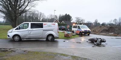 Botsing op Langiusdijk in Emmen. Foto: De Vries Media