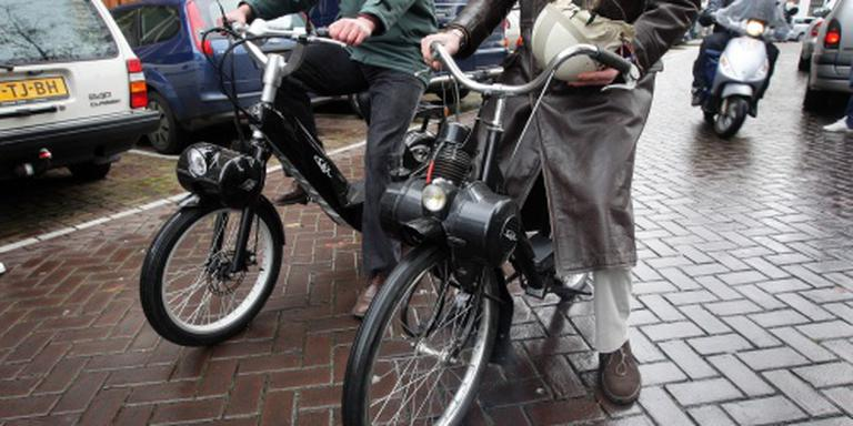Amsterdam wil oude brommers weren