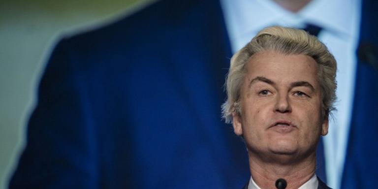 Wilders met politie-escorte naar rechtbank