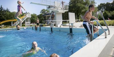 Vlagtwedde geeft zwembaden niet zo maar op