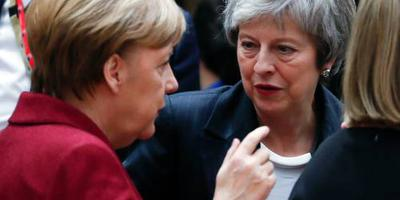 Merkel wacht op voorstel May