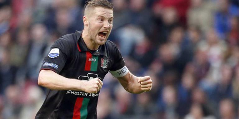 Gebroken neus AZ-verdediger Van Eijden