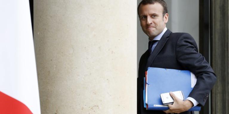 'Franse economieminister Macron stapt op'