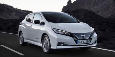 Inwoners van Eelde en Vries kunnen in september en oktober deze elektrische Nissan Leaf eens uitproberen.