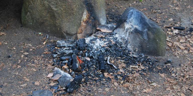 Hunebed D8 opnieuw door vuur vernield