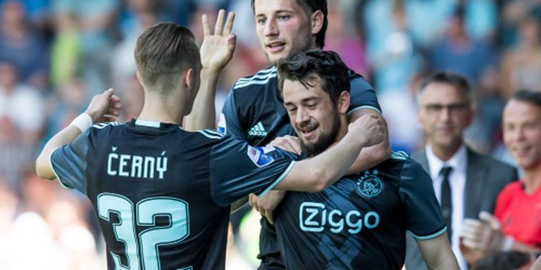 Ajax faalt en moet titel aan PSV laten