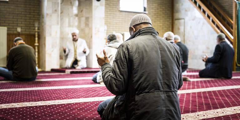 De Turkse Yildirim Beyazit-moskee in Emmen. Foto Kees van de Veen