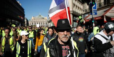 Duizenden Franse gele hesjes weer de straat op