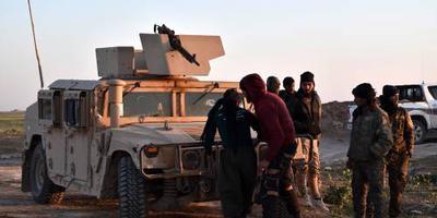 Konvooi brengt burgers Baghouz in veiligheid