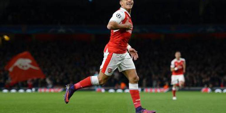 Arsenal op kop na winst bij Sunderland