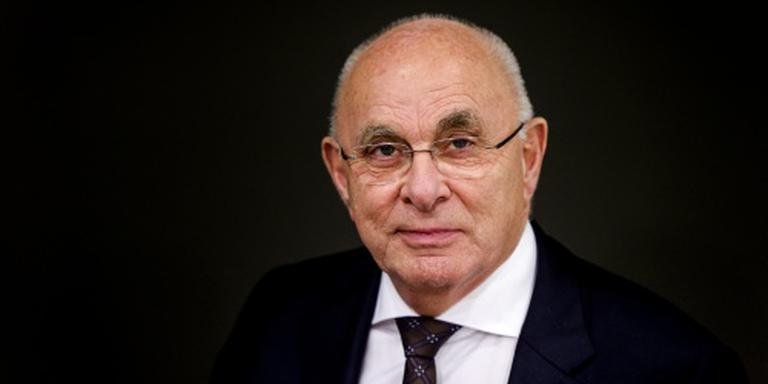 Van Praag ziet topkandidaat UEFA wegvallen