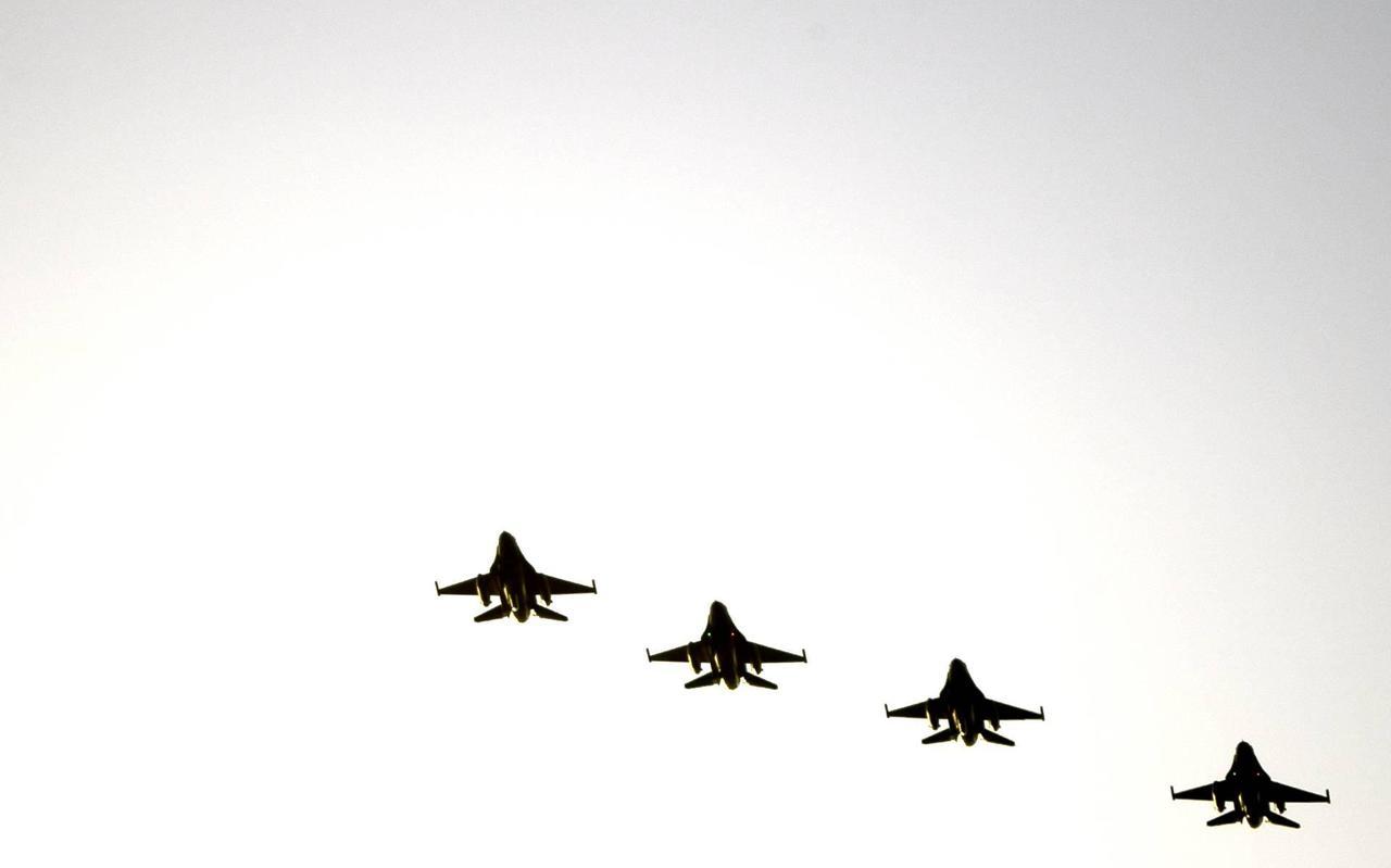 F16's jagen vandaag door de lucht boven Drenthe.