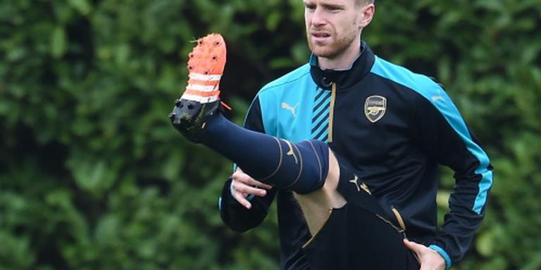 Geblesseerde Mertesacker aanvoerder Arsenal