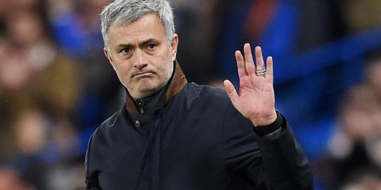 Chelsea ontslaat Mourinho